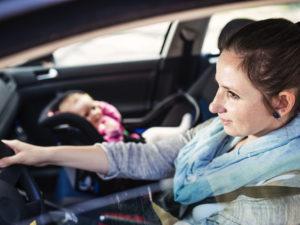 Le dos à la route : 5x plus sûr pour vos enfants