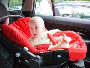 TOP 10 des erreurs d'installation du siège auto enfant