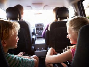 Conseils pour un long voyage en voiture avec bébé